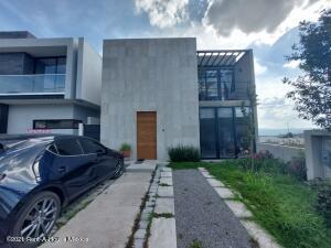 Casa En Rentaen Queretaro, Altozano, Mexico, MX RAH: 21-5126