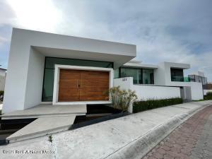 Casa En Rentaen Queretaro, Vista Dorada, Mexico, MX RAH: 22-13