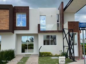 Casa En Ventaen Irapuato, Los Eucaliptos, Mexico, MX RAH: 22-23