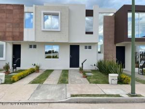 Casa En Ventaen Irapuato, Los Eucaliptos, Mexico, MX RAH: 22-25