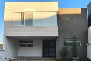 Casa En Ventaen Queretaro, Cumbres Del Lago, Mexico, MX RAH: 21-5138