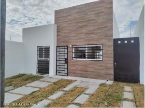 Casa En Rentaen Corregidora, Lomas Del Mirador Candiles, Mexico, MX RAH: 22-40