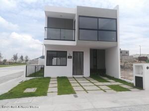 Casa En Ventaen El Marques, Capital Sur, Mexico, MX RAH: 22-108
