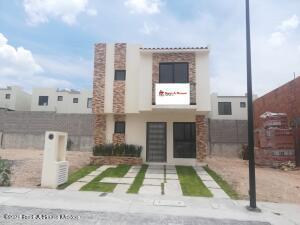 Casa En Ventaen El Marques, Capital Sur, Mexico, MX RAH: 22-112