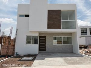 Casa En Ventaen Queretaro, El Mirador, Mexico, MX RAH: 22-188