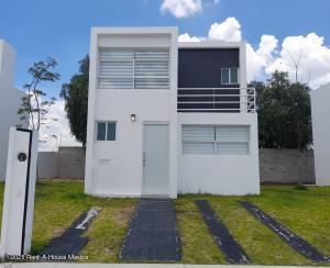 Casa En Ventaen Corregidora, Los Angeles, Mexico, MX RAH: 22-226