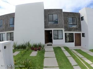 Casa En Ventaen Apaseo El Grande, La Norita, Mexico, MX RAH: 22-323