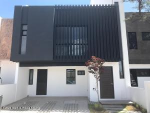 Casa En Ventaen Queretaro, El Mirador, Mexico, MX RAH: 22-324