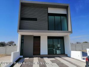 Casa En Ventaen El Marques, Rincones Del Marques, Mexico, MX RAH: 22-347