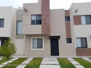 Casa En Rentaen El Marques, Rincones Del Marques, Mexico, MX RAH: 22-379