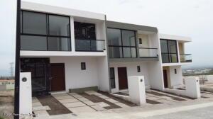 Casa En Ventaen El Marques, Capital Sur, Mexico, MX RAH: 22-567