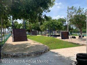 Terreno En Ventaen Merida, Real Montejo, Mexico, MX RAH: 22-432