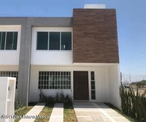Casa En Ventaen Queretaro, Ciudad Del Sol, Mexico, MX RAH: 22-508