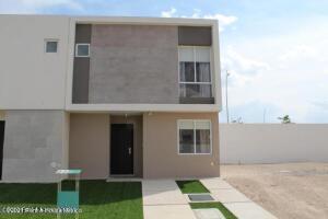 Casa En Rentaen El Marques, Zakia, Mexico, MX RAH: 22-562
