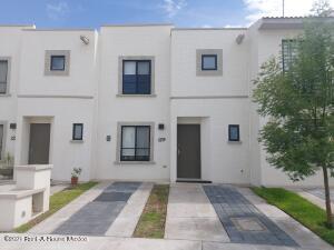 Casa En Rentaen El Marques, Zakia, Mexico, MX RAH: 22-575