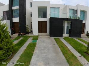 Casa En Rentaen El Marques, Zakia, Mexico, MX RAH: 22-583