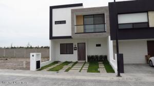Casa En Ventaen El Marques, Capital Sur, Mexico, MX RAH: 22-607
