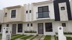 Casa En Ventaen El Marques, Capital Sur, Mexico, MX RAH: 22-609