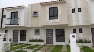 Casa En Ventaen El Marques, Capital Sur, Mexico, MX RAH: 22-610
