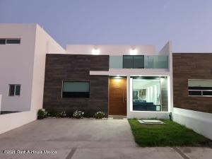 Casa En Ventaen Corregidora, Canadas Del Arroyo, Mexico, MX RAH: 22-673