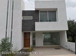 Casa En Ventaen Queretaro, El Mirador, Mexico, MX RAH: 22-674