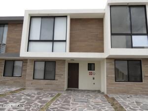Casa En Ventaen Queretaro, El Refugio, Mexico, MX RAH: 22-683