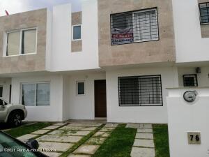 Casa En Rentaen Corregidora, El Pueblito, Mexico, MX RAH: 22-691