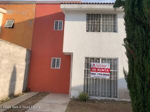 Casa En Rentaen Queretaro, Mompani, Mexico, MX RAH: 22-696