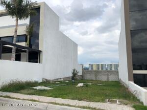 Terreno En Ventaen Queretaro, Altos De Juriquilla, Mexico, MX RAH: 22-726