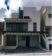 Casa En Ventaen El Marques, Zibata, Mexico, MX RAH: 22-765