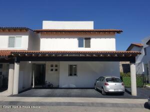 Casa En Ventaen Queretaro, Lomas Del Campanario, Mexico, MX RAH: 22-780