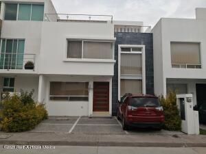 Casa En Ventaen Queretaro, Milenio 3Era Seccion, Mexico, MX RAH: 22-836