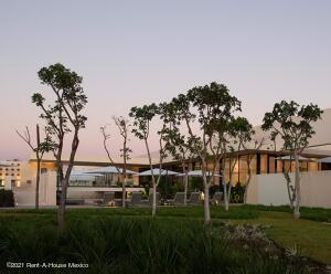 Terreno En Ventaen Merida, Temozon Norte, Mexico, MX RAH: 22-863