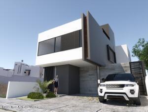 Casa En Ventaen El Marques, Zibata, Mexico, MX RAH: 22-963