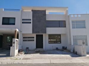 Casa En Ventaen Queretaro, El Refugio, Mexico, MX RAH: 22-1001