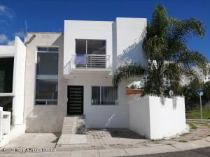 Casa En Ventaen Queretaro, El Refugio, Mexico, MX RAH: 22-1002