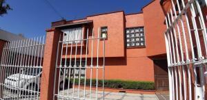 Casa En Ventaen Naucalpan De Juarez, Lomas De Tecamachalco, Mexico, MX RAH: 22-1014