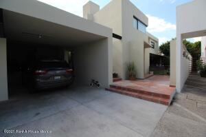 Casa En Ventaen Queretaro, Claustros Del Parque, Mexico, MX RAH: 22-1032