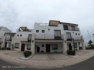 Casa En Ventaen Queretaro, Jurica, Mexico, MX RAH: 21-1820