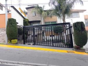 Casa En Ventaen Tlalnepantla De Baz, Valle Dorado, Mexico, MX RAH: 22-1071