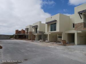 Casa En Ventaen Queretaro, La Vista, Mexico, MX RAH: 22-1153