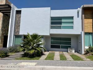 Casa En Ventaen Queretaro, El Mirador, Mexico, MX RAH: 22-1185