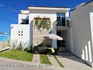 Casa En Ventaen Queretaro, Real De Juriquilla, Mexico, MX RAH: 22-1186