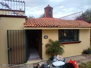 Casa En Ventaen Tequisquiapan, Balcones De Tequisquiapan, Mexico, MX RAH: 22-1206