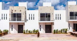 Casa En Ventaen Cancun, Poligono Sur, Mexico, MX RAH: 22-1210
