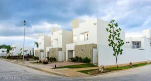 Casa En Ventaen Cancun, Poligono Sur, Mexico, MX RAH: 22-1212