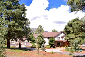 7050 N Oakwood Pines Drive, Flagstaff, AZ 86004