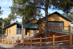 64 W Travertine Trail, Flagstaff, AZ 86001