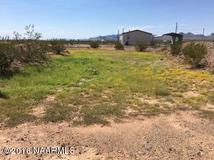 4246 N Don Luis Road, Golden Valley, AZ 86413