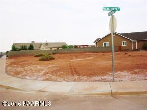 2023 Iron Horse Drive, Winslow, AZ 86047